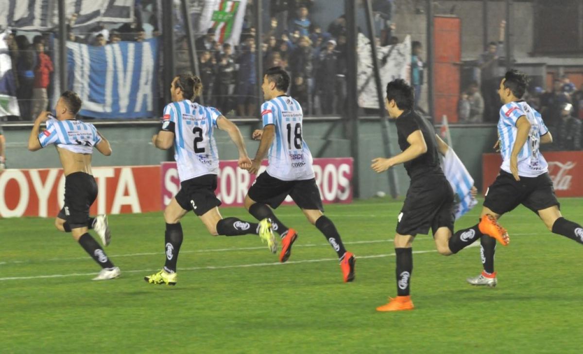 Unión sigue de fiesta: ganó y avanzó en la Copa Argentina